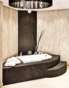 Um banheiro em Golden King Villas