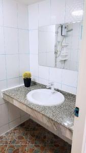 Ванная комната в NIRUN CONDO WELCOME YOU