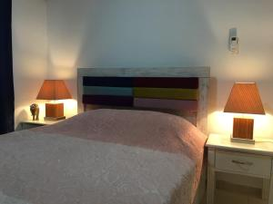 A bed or beds in a room at Royal Residence Kyrenia