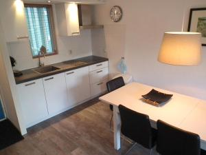 A kitchen or kitchenette at KAAP 44