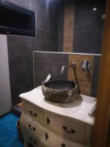 Salle de bains dans l'établissement l'Orée du Bois Villa