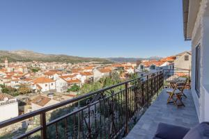 A balcony or terrace at Apartman Litus