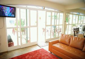 A seating area at Residencial Aconchego
