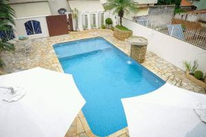 A view of the pool at Residencial Aconchego or nearby