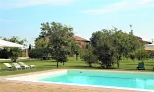 Piscina di La Foresteria di Borgogelsi Apartments o nelle vicinanze