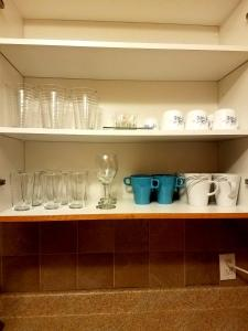 A kitchen or kitchenette at Beautiful 3BDR APT Next to Airport - 20 min to Downtown