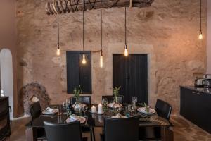En restaurant eller et spisested på Boutique Villa Kalliope