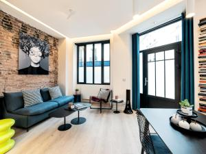 A seating area at Exclusive Loft in Le Marais