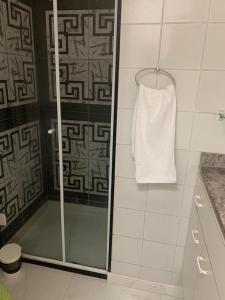 A bathroom at Bahia Flat Vista Mar 202