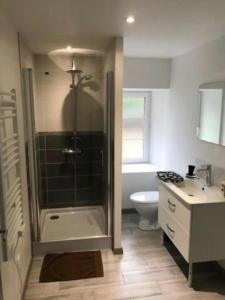 Kylpyhuone majoituspaikassa Appartement centre historique