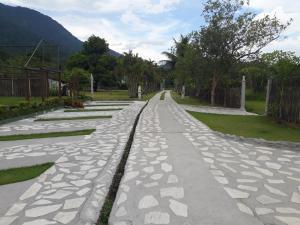 A garden outside Sítio Canaã
