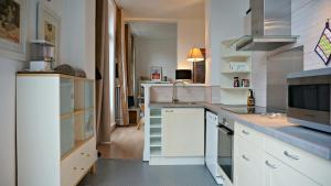 A kitchen or kitchenette at Pauline 2