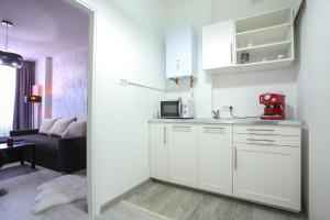 A kitchen or kitchenette at Simona Maria