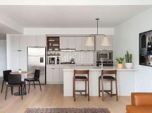 A kitchen or kitchenette at ROOST East Market
