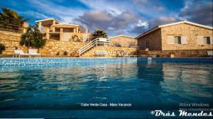 Het zwembad bij of vlak bij Maio Vacanze