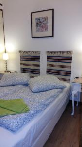 A bed or beds in a room at Les Séracs