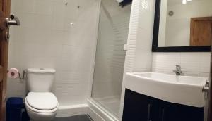 A bathroom at Les Séracs