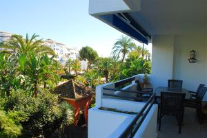 Een balkon of terras bij Excellent Location Lovely Puerto Banus Apartment