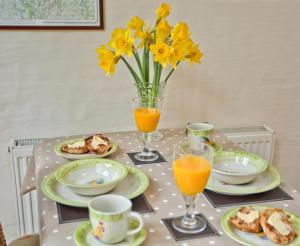 Breakfast options available to guests at Bridge End Farm Cottages