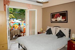 A bed or beds in a room at Marylin