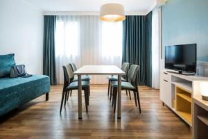 巴黎蒙馬特愛達格公寓式酒店電視和/或娛樂中心