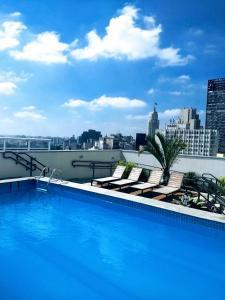 A piscina localizada em Studio Centro São Paulo ou nos arredores