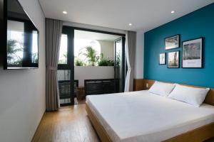 The Avis Apartments