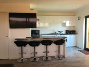 A kitchen or kitchenette at Little house on the hill