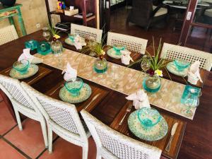 Ресторан / где поесть в Villa Elleo