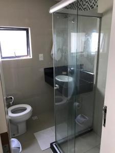 A bathroom at Studio Everest Flats