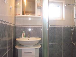 A bathroom at APARTMANI KREŠIĆ 1 HVAR