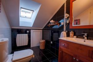 A bathroom at Atico Chic con Encanto