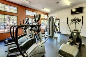 The fitness center and/or fitness facilities at Zion's Staycation Place