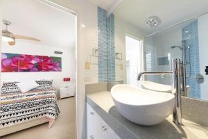 A bathroom at One Mile House