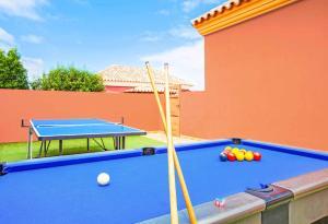 A pool table at Villa Mar Corralejo