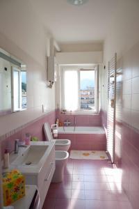 Phòng tắm tại Rebecca House
