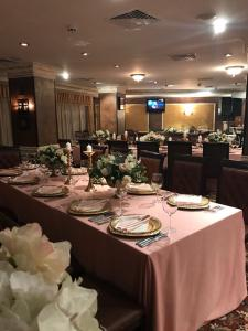 A restaurant or other place to eat at Grand Monastery Private Apartments