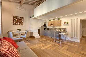 Een keuken of kitchenette bij Mattonaia Apartment