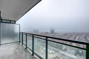En balkong eller terrasse på Pathway Suites