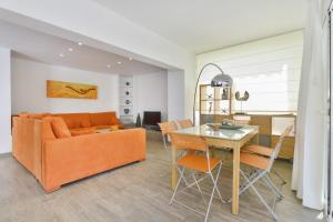 A seating area at Villa Can Martona