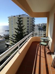 Un balcón o terraza de Lido/Funchal Tourist Two Bedroom Apartment