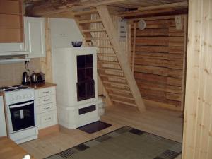 Majoituspaikan Kalliomajat keittiö tai keittotila
