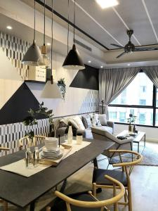 A restaurant or other place to eat at Stayó - Luxury Suites KLCC