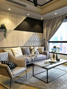 A seating area at Stayó - Luxury Suites KLCC