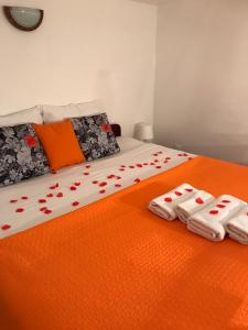 A bed or beds in a room at Festa Stradun Apartment