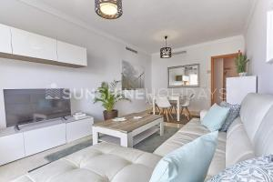 A seating area at Marbella Beach Centre 2 Bedroom Faro