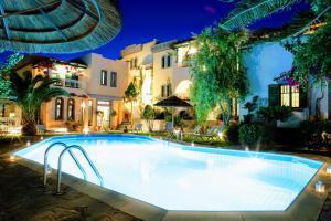 The swimming pool at or near Aquarius Apartments