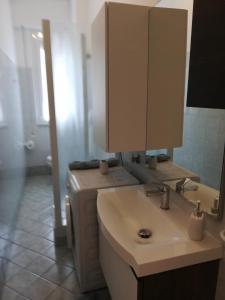 A bathroom at Gim House