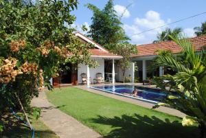 Basen w obiekcie Sujeewani Villa lub w pobliżu