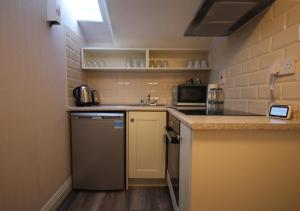 A kitchen or kitchenette at Trinity Apartments Temple Bar